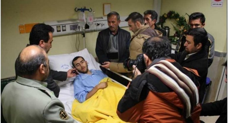 개를 구하고 다리를 잃은 이란 군인의 이야기
